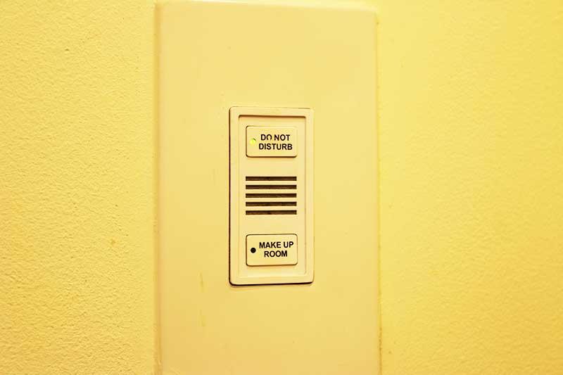 アトランティスザパーム客室出入り口近くのボタン