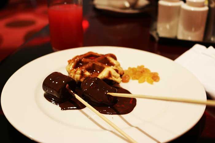 サフランレストランのチョコレートフォンデュ