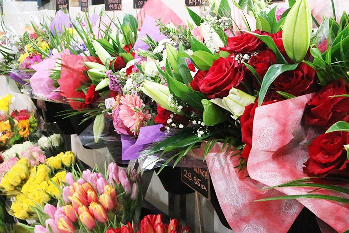 ドバイのスーパー、ウェイトローズのお花