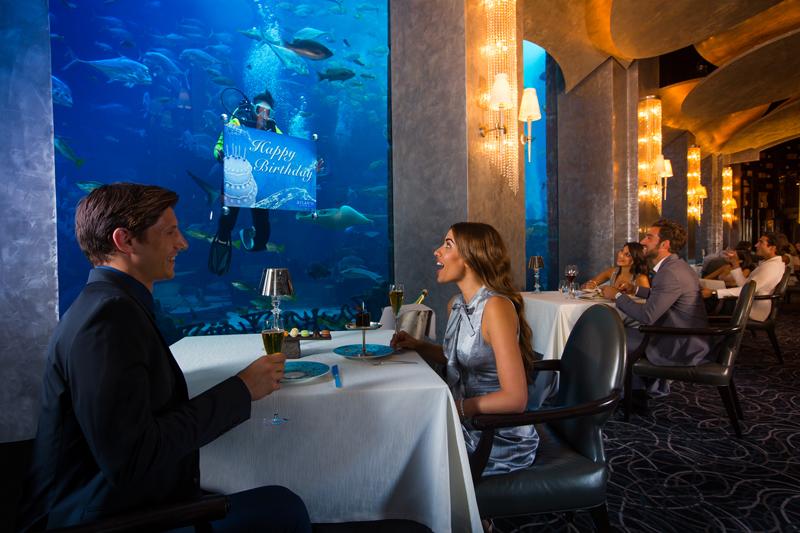 アトランティスザパームのシーフード、地中海料理レストランOssiano