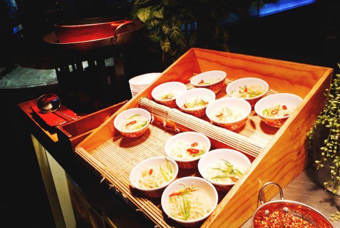 バザールのアジア料理