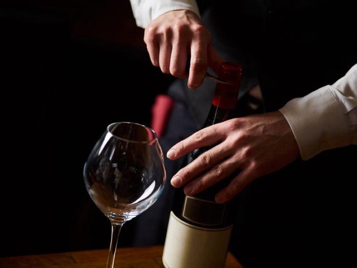 ワインのサービング