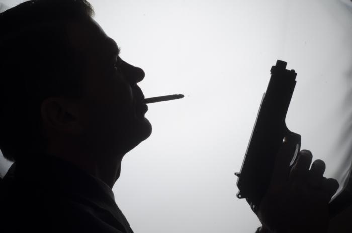 拳銃と怖い人